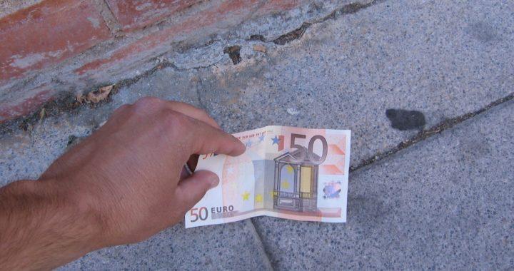 Cómo encontrar Dinero tirado en la Calle