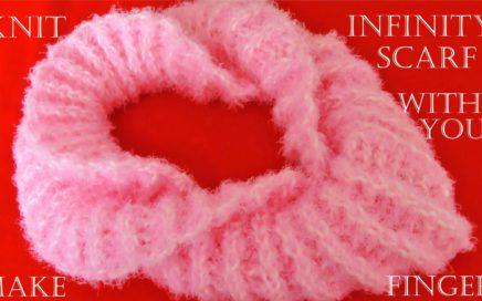 Como tejer bufanda infinita con los dedos fácil en minutos - Make Knit infinity scarf in 30 minutes