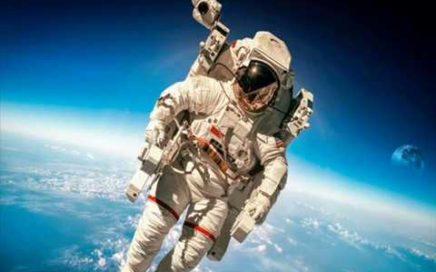¿Cuánto dinero  gana  un astronauta de la NASA?